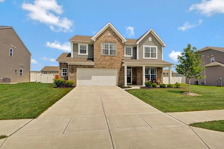 8636 Hornady Drive Indianapolis IN 46239   MLS 21716826   photo 1