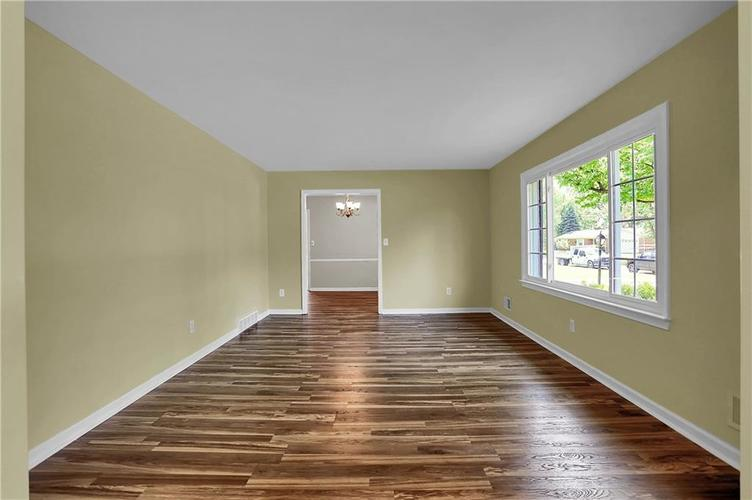 7159 Wynter Way Indianapolis IN 46250 | MLS 21716844 | photo 10
