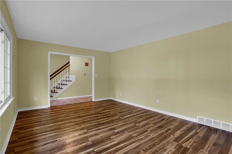 7159 Wynter Way Indianapolis IN 46250 | MLS 21716844 | photo 13