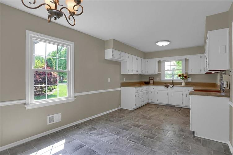7159 Wynter Way Indianapolis IN 46250 | MLS 21716844 | photo 24