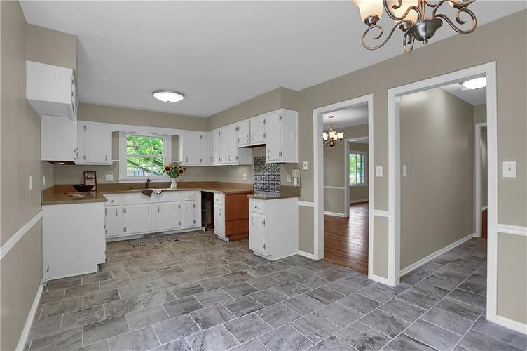 7159 Wynter Way Indianapolis IN 46250 | MLS 21716844 | photo 25