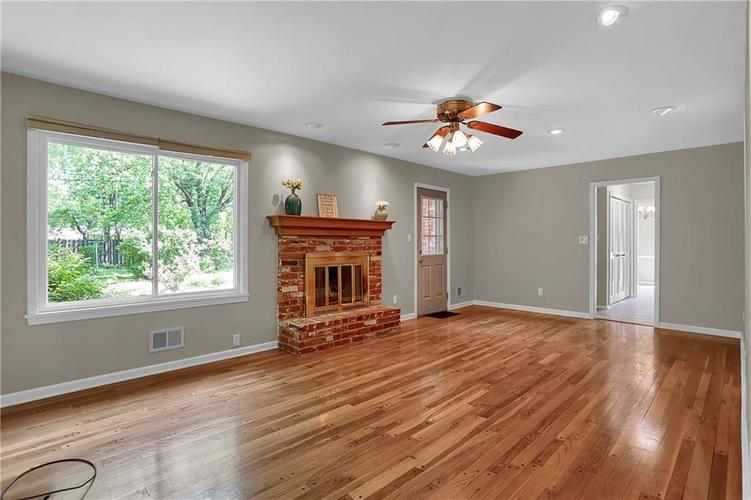 7159 Wynter Way Indianapolis IN 46250 | MLS 21716844 | photo 30