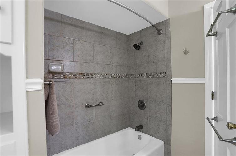 7159 Wynter Way Indianapolis IN 46250 | MLS 21716844 | photo 45