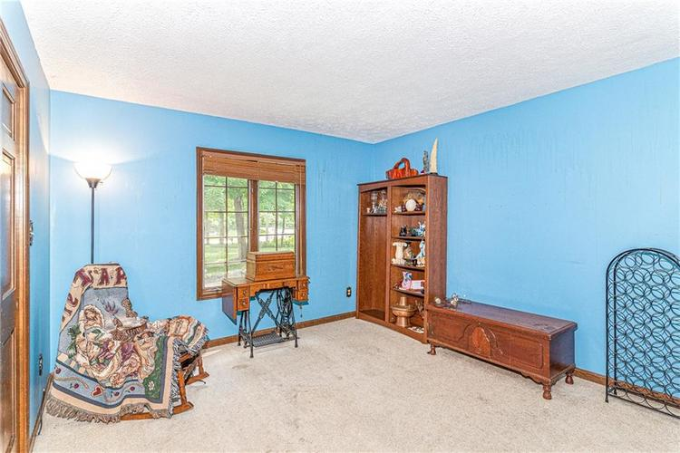 10430 Fall Creek Road Indianapolis IN 46256 | MLS 21716922 | photo 20