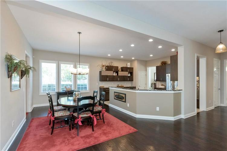 8152 Penn Place Indianapolis IN 46250 | MLS 21717011 | photo 16