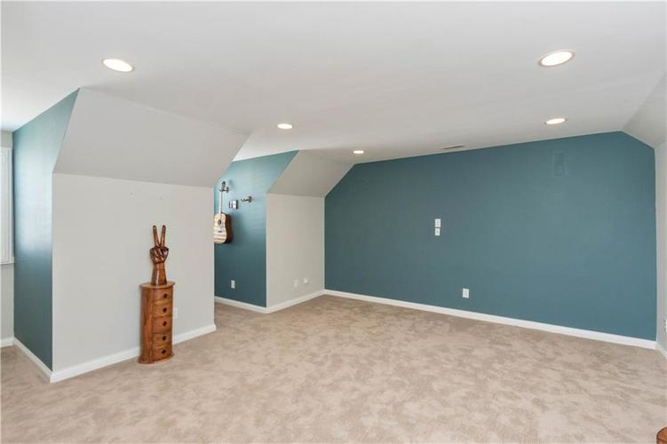 8152 Penn Place Indianapolis IN 46250 | MLS 21717011 | photo 22
