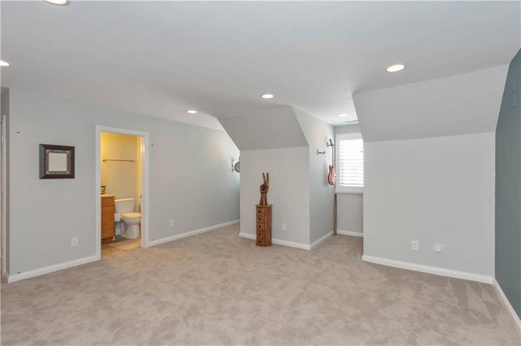 8152 Penn Place Indianapolis IN 46250 | MLS 21717011 | photo 23
