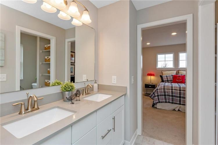 4723 Rocky Hollow Drive Indianapolis IN 46239 | MLS 21718176 | photo 19
