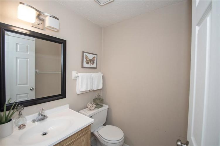 9495 Timber View Drive Indianapolis in 46250 | MLS 21718207 | photo 21