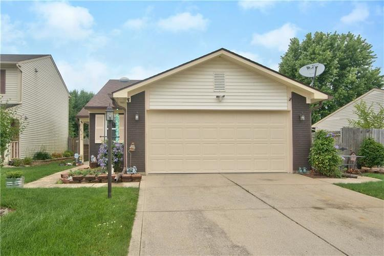 6374 S River Valley Way Indianapolis IN 46221 | MLS 21718390 | photo 1