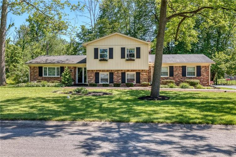 1533 Thomas Wood Trail Indianapolis IN 46260 | MLS 21718410 | photo 1