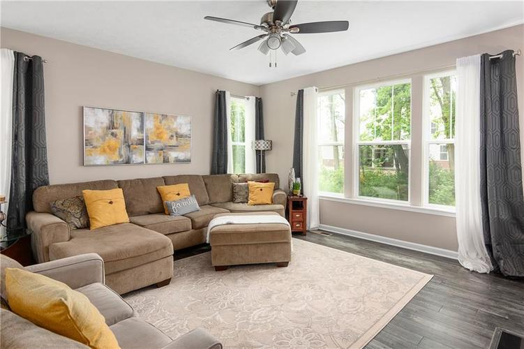16403 Dominion Drive Fortville IN 46040 | MLS 21718709 | photo 14