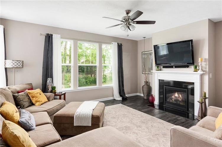 16403 Dominion Drive Fortville IN 46040 | MLS 21718709 | photo 15