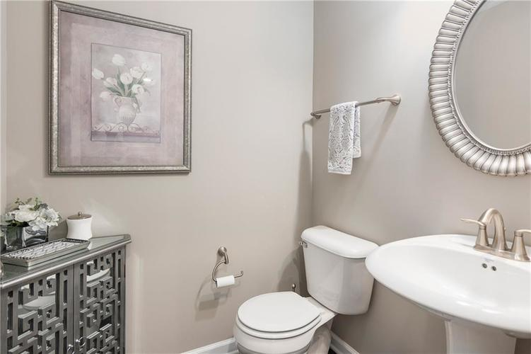 16403 Dominion Drive Fortville IN 46040 | MLS 21718709 | photo 19