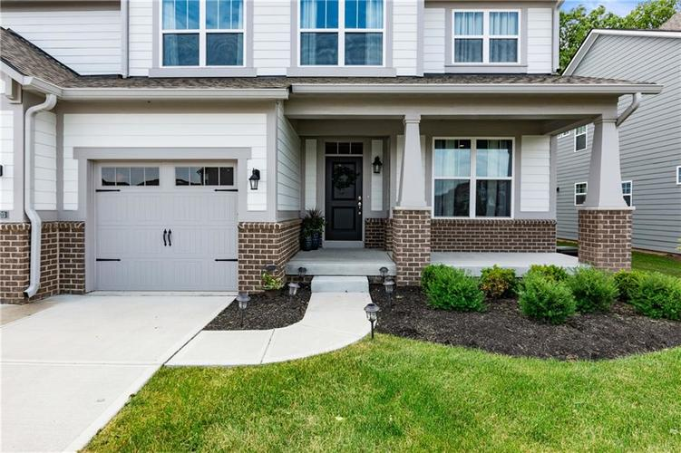 16403 Dominion Drive Fortville IN 46040 | MLS 21718709 | photo 3