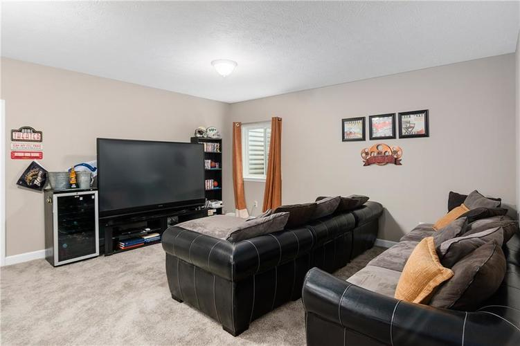 16403 Dominion Drive Fortville IN 46040 | MLS 21718709 | photo 37