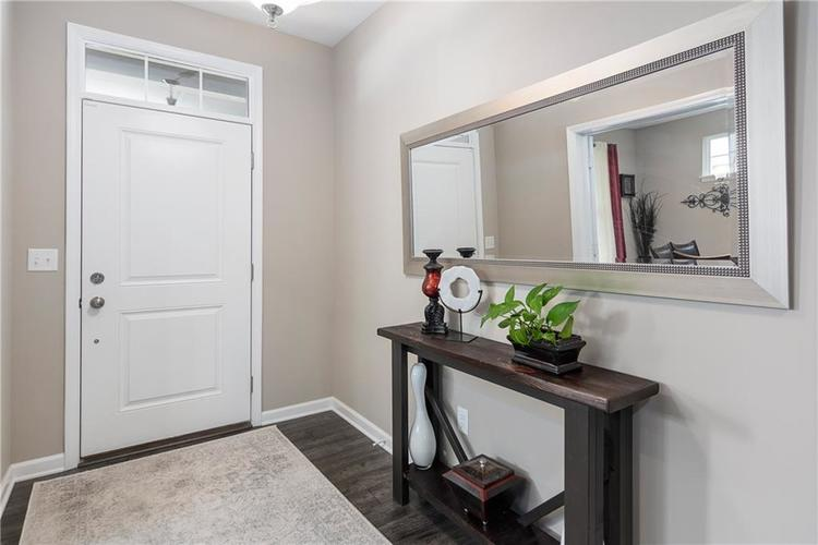 16403 Dominion Drive Fortville IN 46040 | MLS 21718709 | photo 4