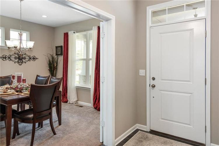 16403 Dominion Drive Fortville IN 46040 | MLS 21718709 | photo 5