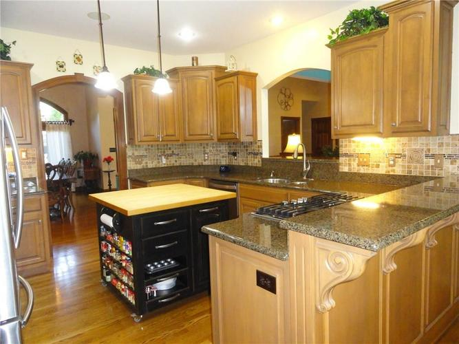 4700 Hickory Wood Row Greenwood IN 46143 | MLS 21718733 | photo 4