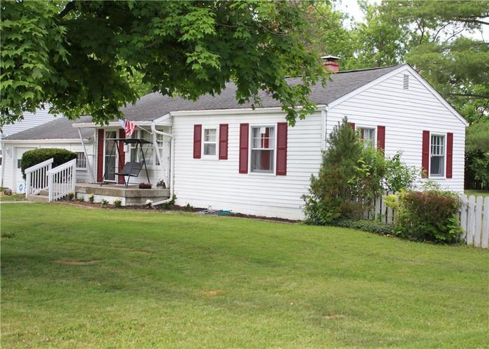 191 N Routiers Avenue Indianapolis IN 46219   MLS 21718958   photo 2