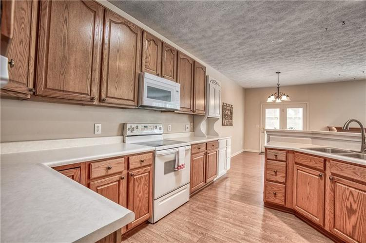 563 S Tanninger Drive Indianapolis IN 46239 | MLS 21719006 | photo 13