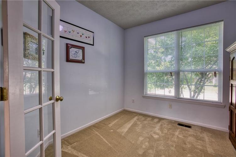 563 S Tanninger Drive Indianapolis IN 46239 | MLS 21719006 | photo 15