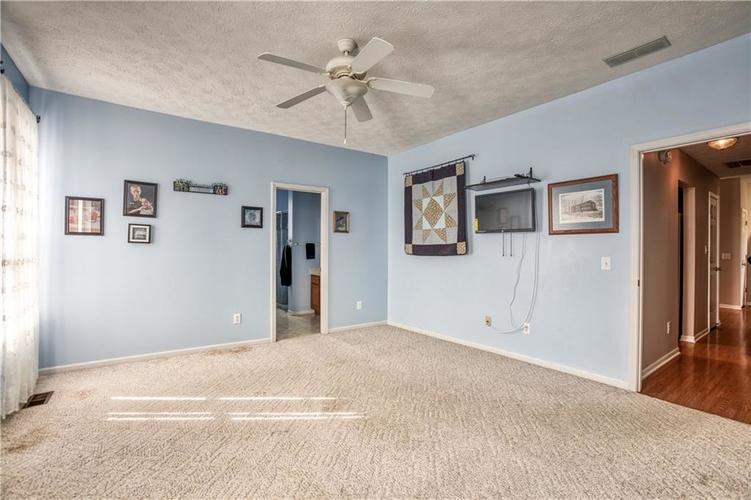 563 S Tanninger Drive Indianapolis IN 46239 | MLS 21719006 | photo 17