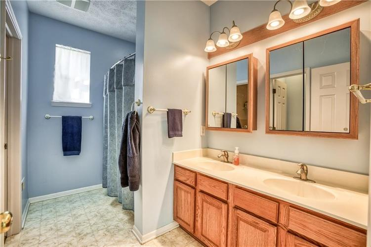 563 S Tanninger Drive Indianapolis IN 46239 | MLS 21719006 | photo 19