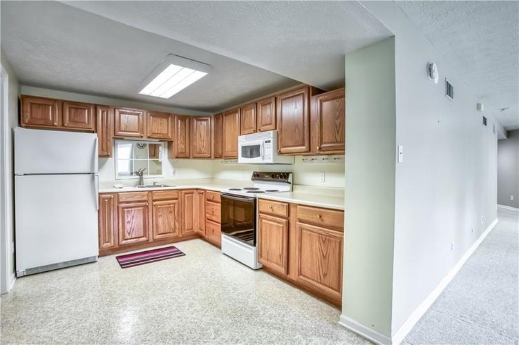 563 S Tanninger Drive Indianapolis IN 46239 | MLS 21719006 | photo 29