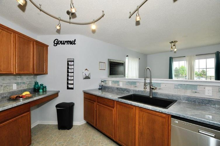7628 Hummel Place Indianapolis IN 46239 | MLS 21719056 | photo 10