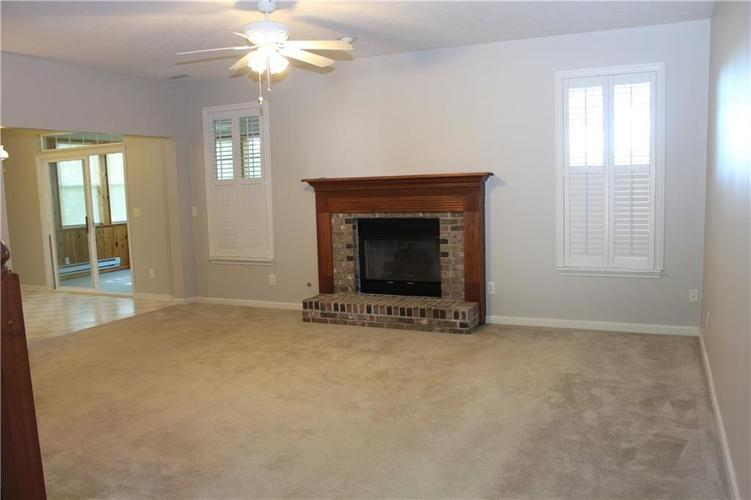 7223 Rolling Hills Drive Indianapolis IN 46214 | MLS 21719095 | photo 6