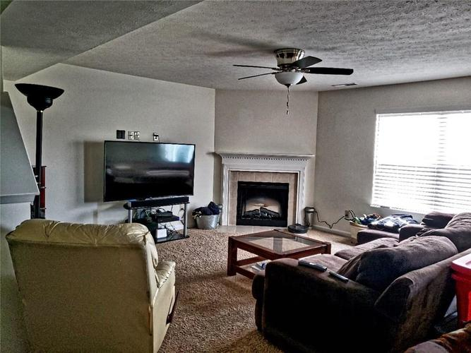 7528 Brattle Drive Camby IN 46113 | MLS 21719108 | photo 2