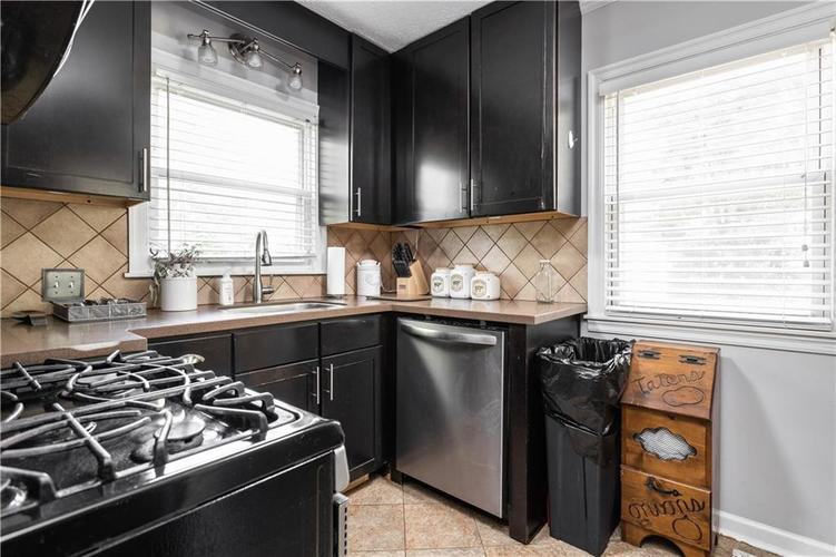 2110 E 69th Street Indianapolis IN 46220 | MLS 21719196 | photo 10