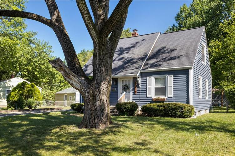 2110 E 69th Street Indianapolis IN 46220 | MLS 21719196 | photo 3