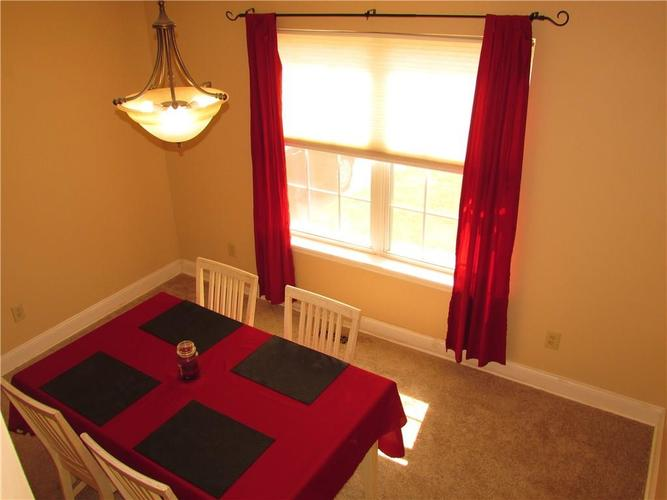 5847 Trophy Oaks Court Indianapolis IN 46237 | MLS 21719220 | photo 5