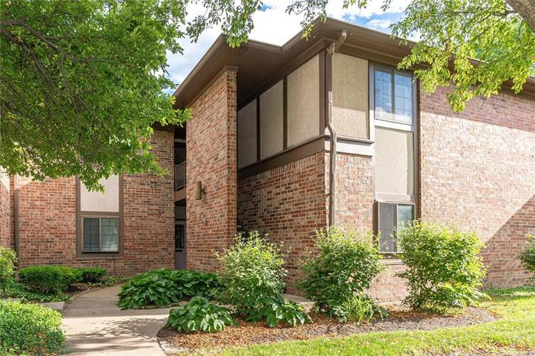 2141A ROME Drive Indianapolis IN 46228 | MLS 21719328 | photo 1