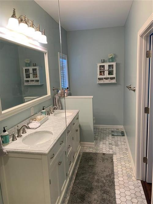 5637 Guilford Avenue Indianapolis IN 46220 | MLS 21719390 | photo 14