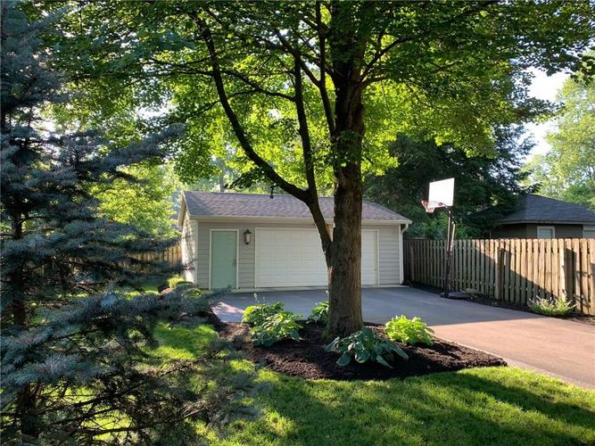 5637 Guilford Avenue Indianapolis IN 46220 | MLS 21719390 | photo 4