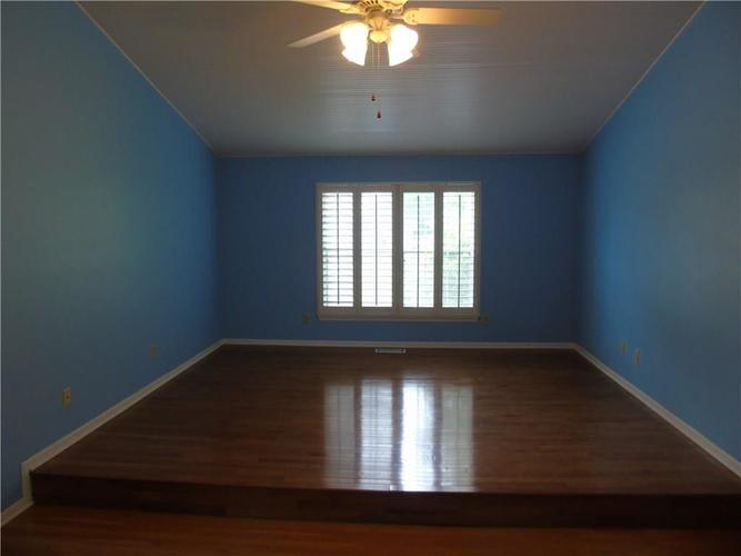 8754 Nora Woods Drive Indianapolis IN 46240 | MLS 21719498 | photo 17