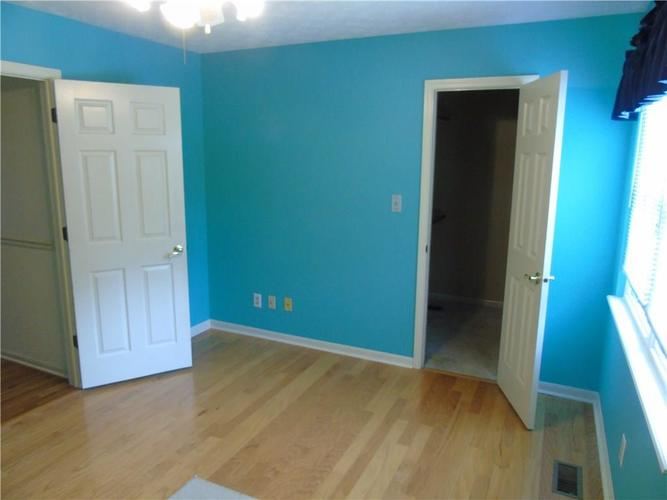 8754 Nora Woods Drive Indianapolis IN 46240 | MLS 21719498 | photo 30