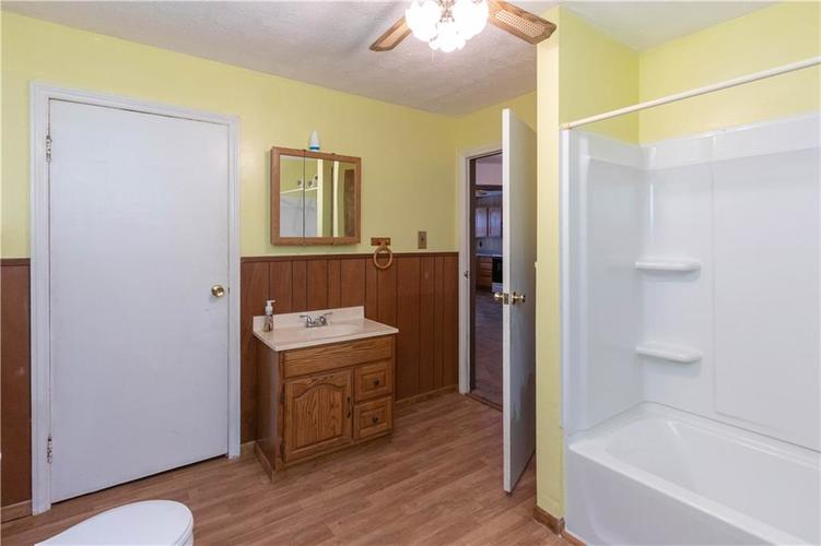 4815 Plainfield Avenue Indianapolis IN 46241 | MLS 21719636 | photo 15