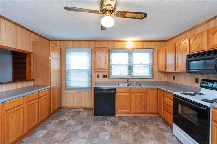 4815 Plainfield Avenue Indianapolis IN 46241 | MLS 21719636 | photo 7