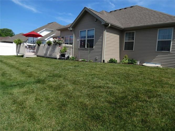 5735 Victory Drive Columbus IN 47203 | MLS 21719774 | photo 27
