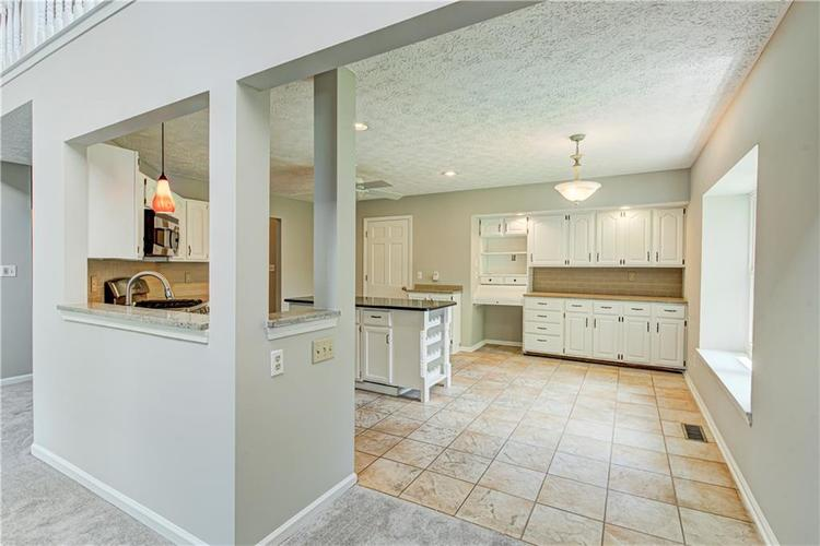 7560 W PINESPRINGS Drive Indianapolis IN 46256 | MLS 21719880 | photo 10