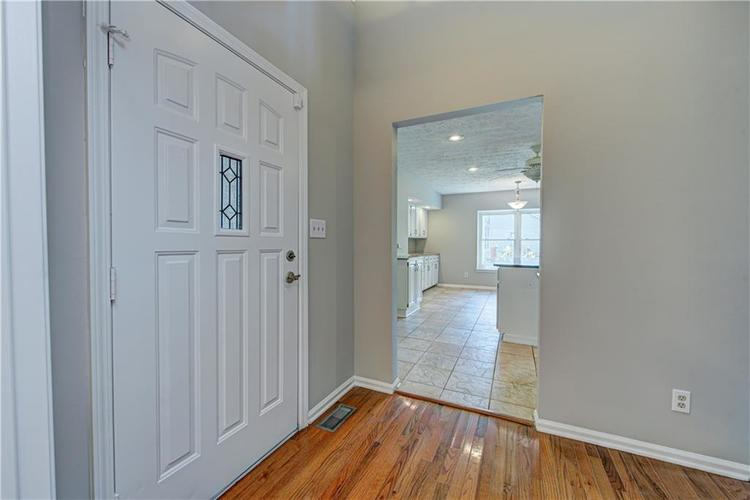 7560 W PINESPRINGS Drive Indianapolis IN 46256 | MLS 21719880 | photo 15