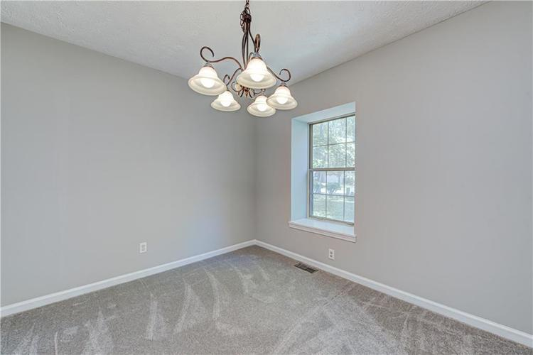 7560 W PINESPRINGS Drive Indianapolis IN 46256 | MLS 21719880 | photo 16