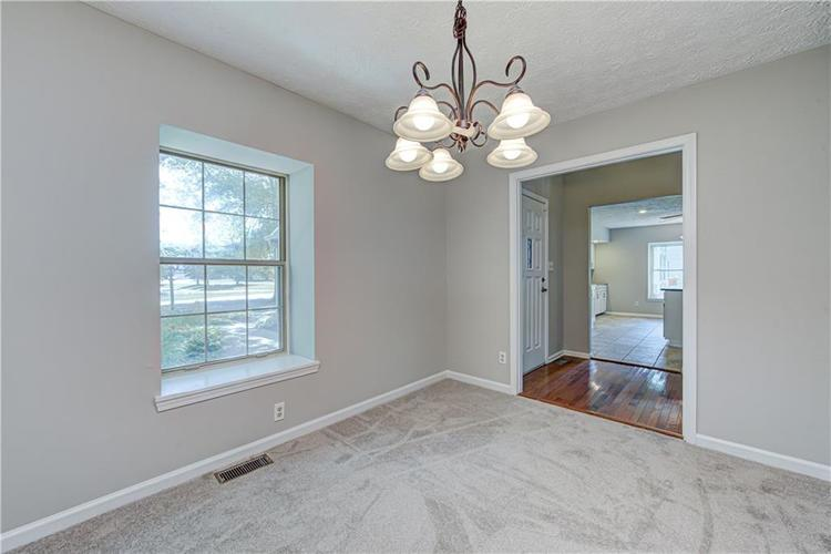 7560 W PINESPRINGS Drive Indianapolis IN 46256 | MLS 21719880 | photo 17