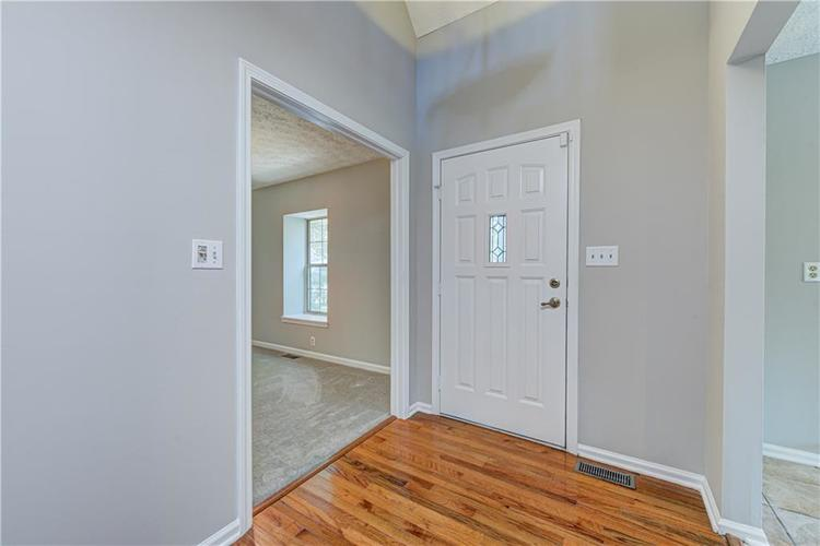 7560 W PINESPRINGS Drive Indianapolis IN 46256 | MLS 21719880 | photo 18