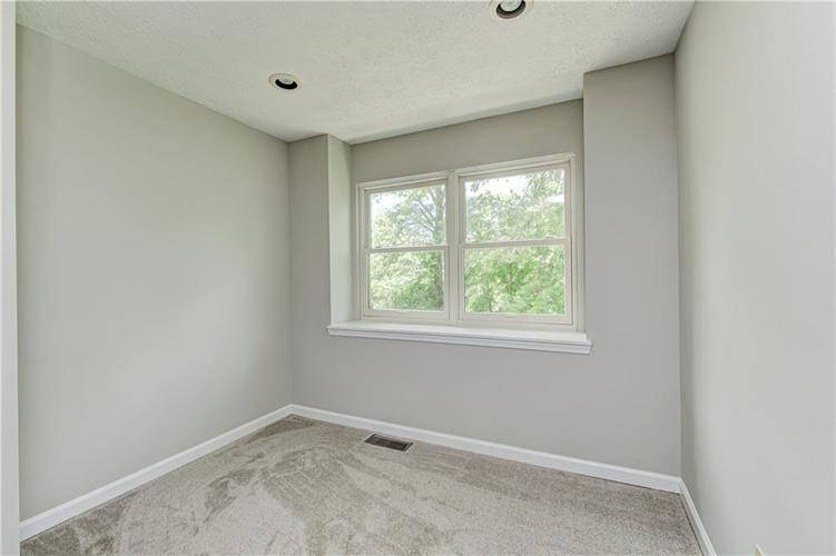 7560 W PINESPRINGS Drive Indianapolis IN 46256 | MLS 21719880 | photo 36