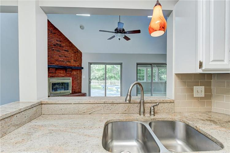 7560 W PINESPRINGS Drive Indianapolis IN 46256 | MLS 21719880 | photo 8